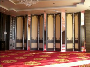 Movable Walls in Dining Rooms