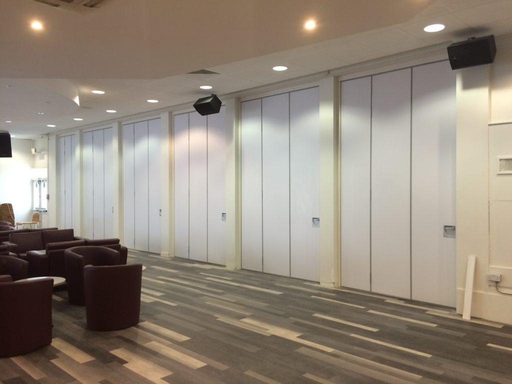 sliding wall partitions between mini walls
