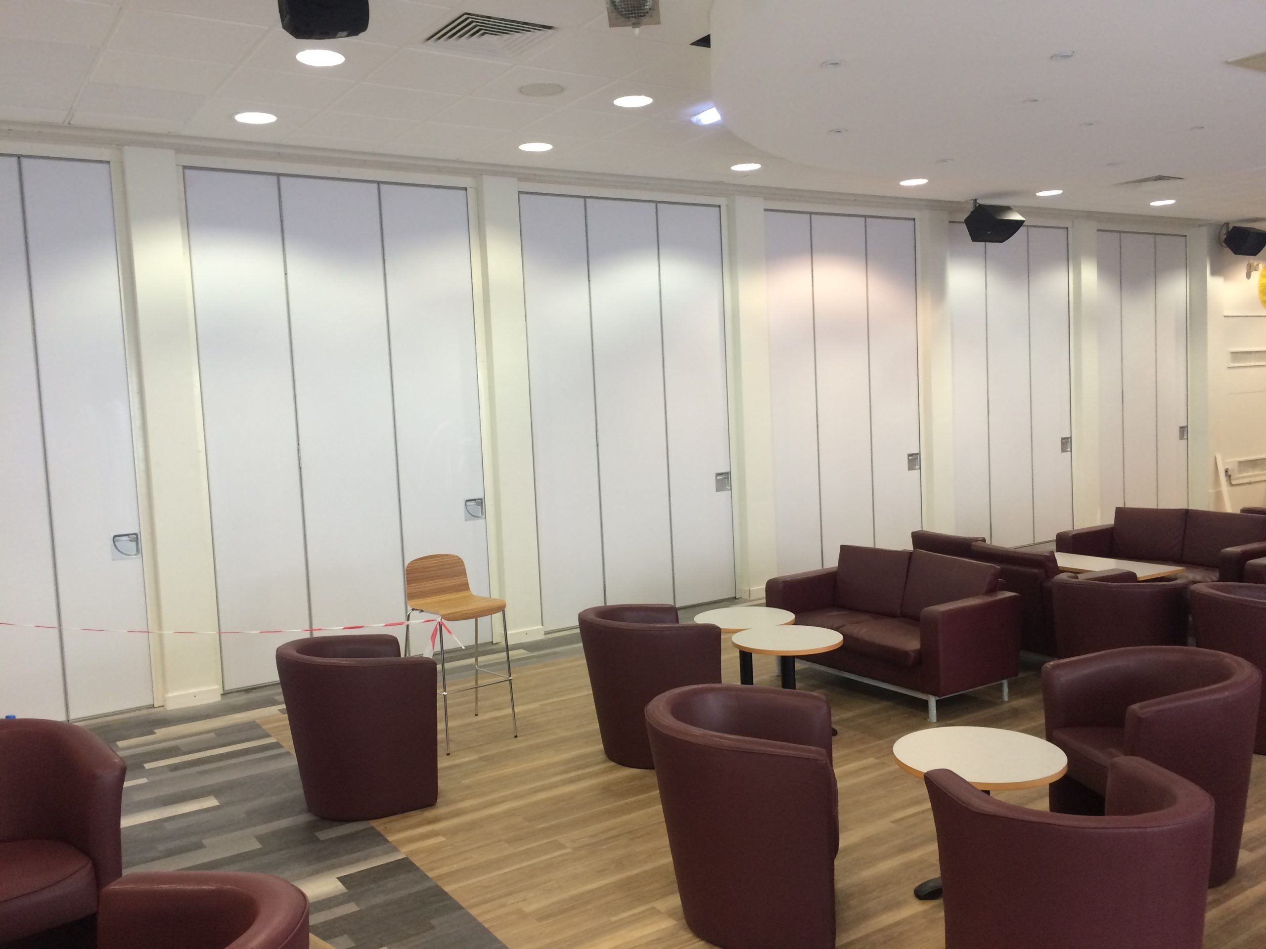 5 things to consider when choosing a movable wall system   AEG Teachwall