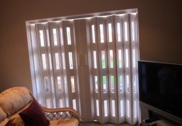 White Concertina Walls used for Patio Access
