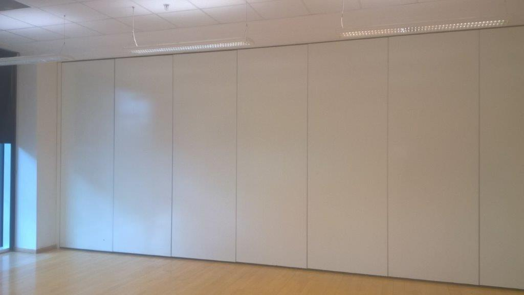 Closed White Movable Wall Partition