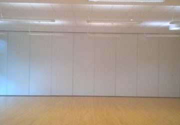 Closed White Acoustic Movable Wall